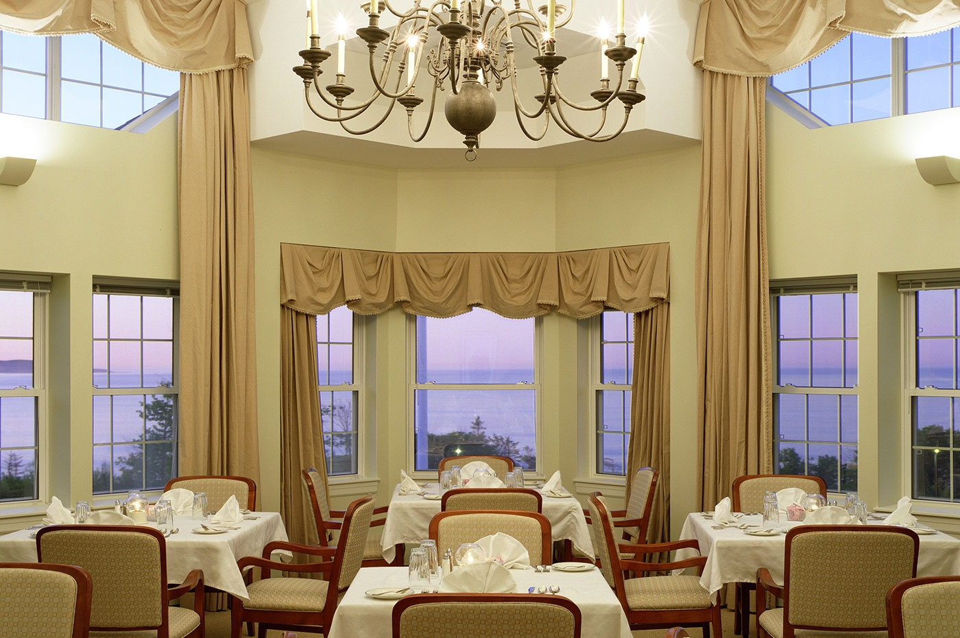 Formal dining design for lifecare retirement community in Maine